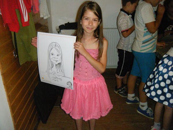 Caricaturi - portrete in tabare de vara
