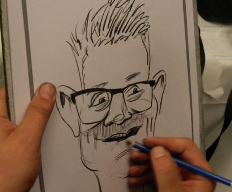 Caricaturi la un eveniment plin de stil si eleganta