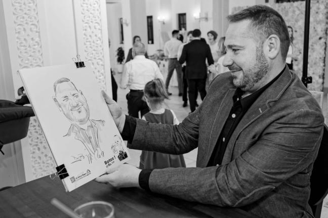 Portrete si caricaturi in creion dupa fotografie