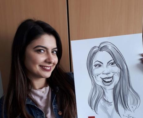 Zambete si caricaturi in creion